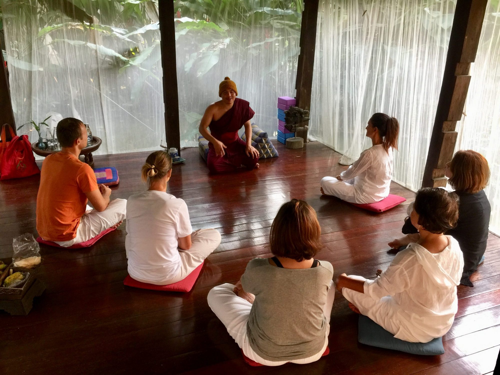 5 Reasons to go for a Yoga Retreat